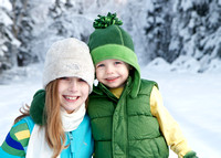 Wasilla, Alaska family photo session in the snow.